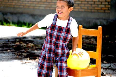 00585 Reventar el globo  Juego de globos    Juegos para niños
