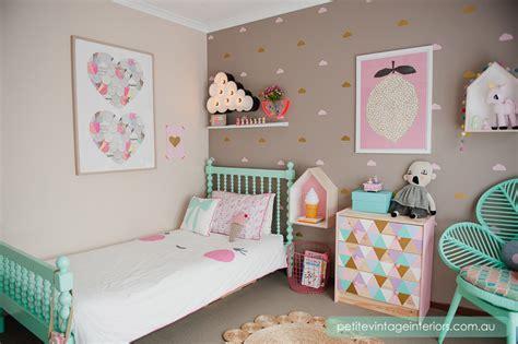 2 Ideas para decorar la habitación infantil  para niña ...