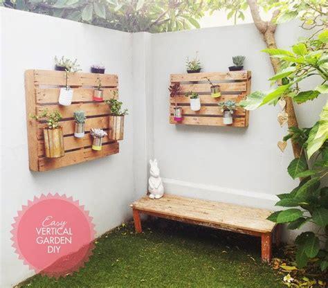 2 tutoriales para jardines verticales con palets   Ecología