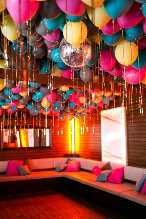 28 Creative Balloon Decoration Ideas for Parties | Home ...