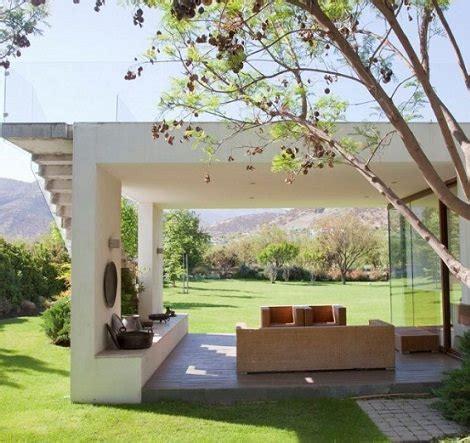 4 Ideas de porches espectaculares para tu jardín