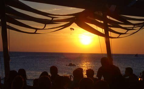 4 lugares cosmopolitas para ver la puesta de sol en Ibiza