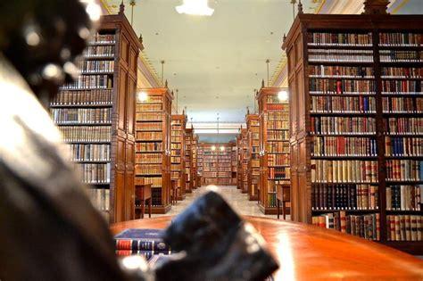 46 eruditos al servicio del idioma cervantino en la Real ...