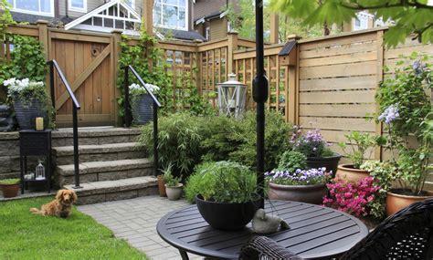 7 ideas encantadoras para decorar un patio pequeño   IMujer