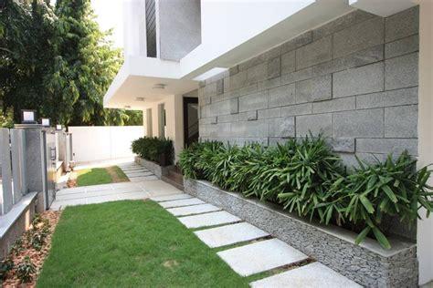 8 ideas de jardineras para patios modernos