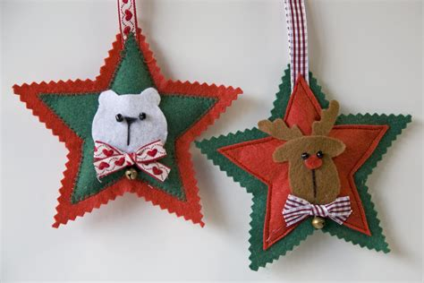 Adornos para el árbol de navidad: estrellas de fieltro