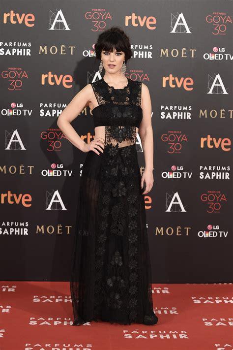 Amaia Salamanca con vestido de Pronovias en los Premios ...