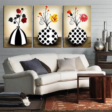 Aprende como decorar con cuadros modernos para salones.