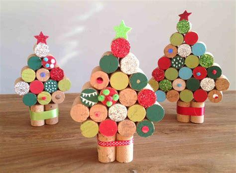 Árbol con tapones de corcho | Manualidades para niños