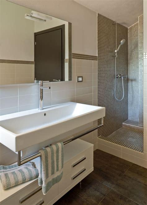 Baños pequeños: 36 ideas para espacios estrechos