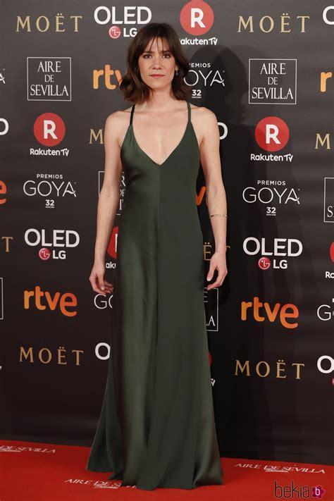 Bruna Cusi en la alfombra roja de los Premios Goya 2018 ...