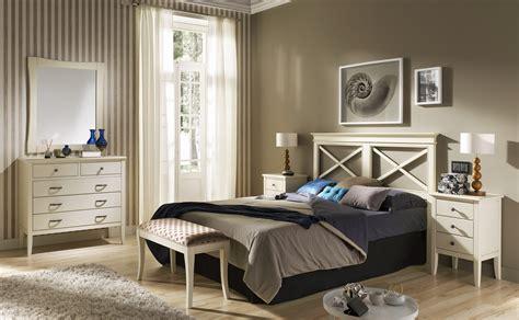 Cabecero de cama en madera y con aspas para dormitorios ...