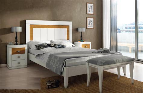 Cabecero de cama estilo moderno en madera de haya de ...