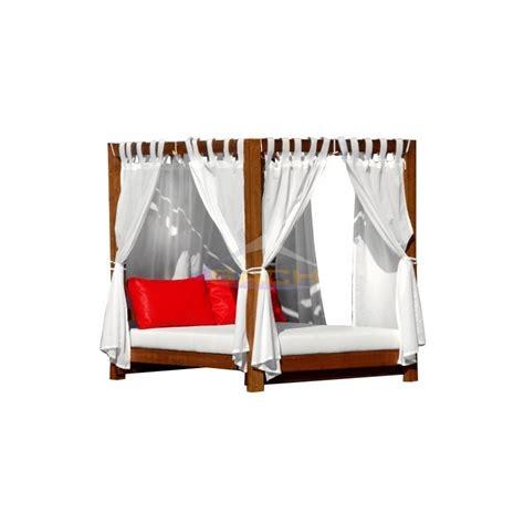 Cama Balinesa