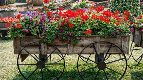 Carros para decorar jardines   Hogarmania