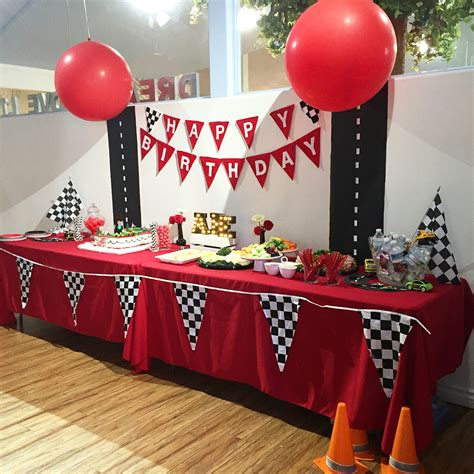 Cars Party Table decor | Disney Cars Theme! | Pinterest ...