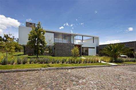 Casa 2V / Diez + Muller Arquitectos | Plataforma Arquitectura