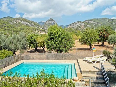 Casa de campo con piscina y jardín   6592576