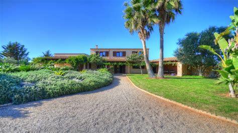 Casa de campo romántica con impresionante jardín cerca de ...