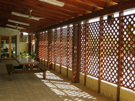Celosia de madera. Celosias jardin. Celosias para terrazas