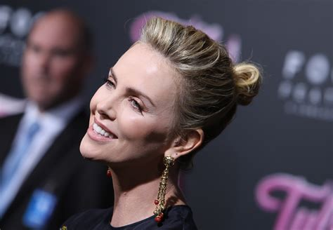 Charlize Theron Explains How She Gained 50 Lbs for New ...