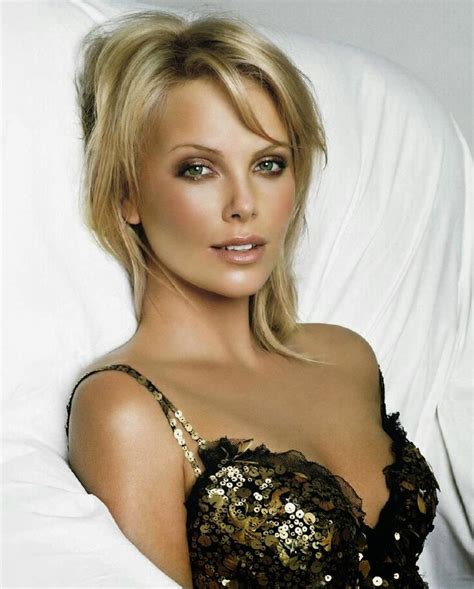 Charlize Theron Hair Free Wallpapers | Short Hairstyle 2013