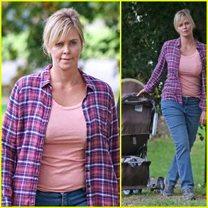 Charlize Theron Hits the Park While Filming 'Tully ...