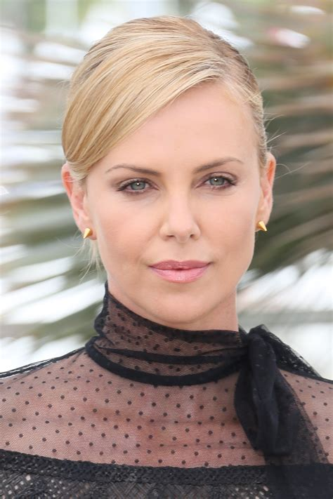 Charlize Theron photos, pictures, stills, images ...