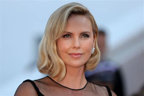 Charlize Theron Reveals Depression and Weight Loss ...