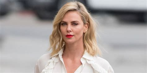 Charlize Theron Weight Gain Movie Tully   Charlize Theron ...