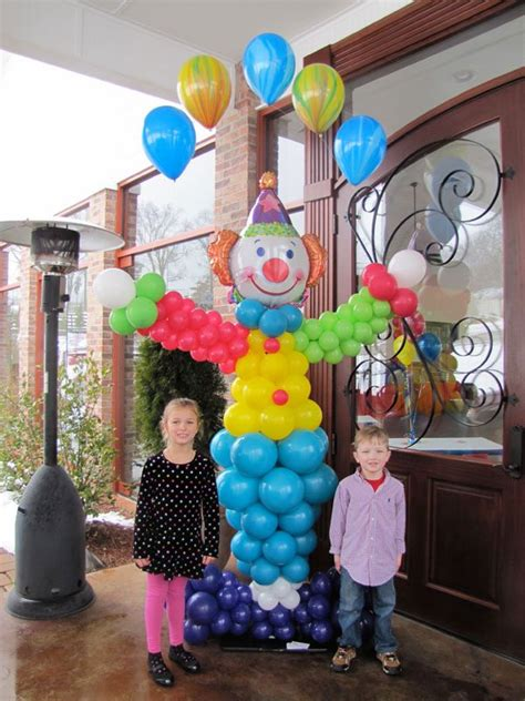 Circus Balloon Decoration | Party Favors Ideas