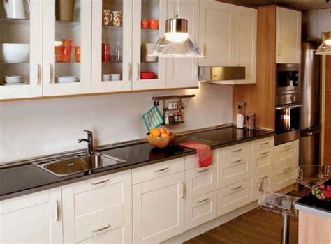Cocinas de madera: cómo combinar suelos laminados ...