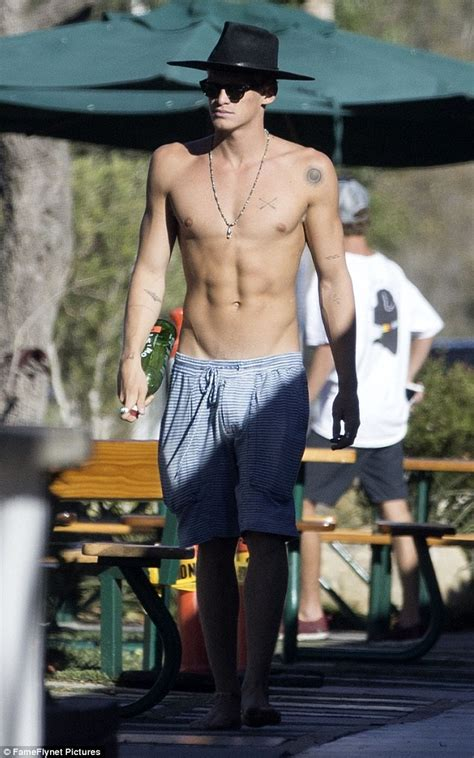 Cody Simpson | hairstylegalleries.com
