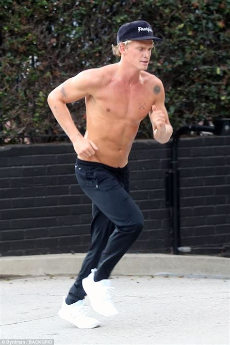 Cody Simpson shows off his buff body on a shirtless jog ...