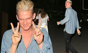Cody Simpson shows off new hairstyle leaving LA lounge ...