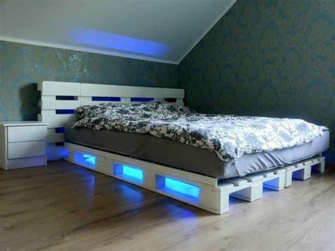 Comment faire un lit en palette   52 idées à ne pas manquer