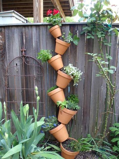 Cómo armar un jardín vertical con macetas