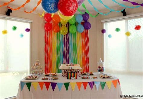 Cómo decorar cumpleaños infantiles con papel crepe y ...