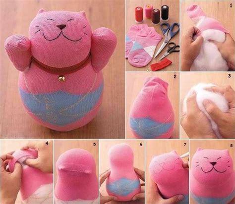 Cómo hacer un gato, manualidades con calcetines ...
