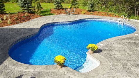 Consejos para decorar jardines con piscina   Detalles