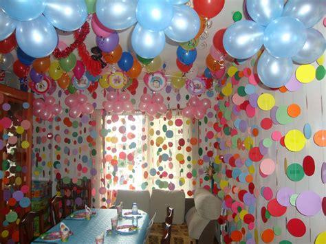 Cumpleaños de niña en casa.