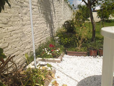 Decoración de jardín con piedras blancas – Huertas Urbanas