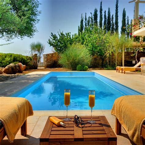 Decoración de jardines con piscina y consejos para los ...