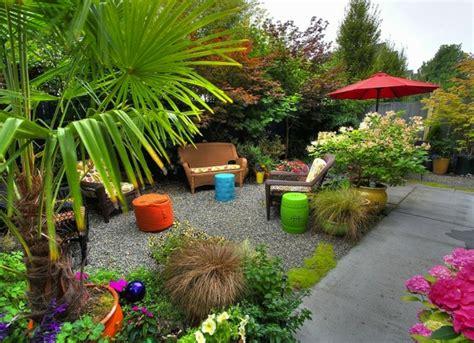 Decoración de jardines pequeños y patios traseros
