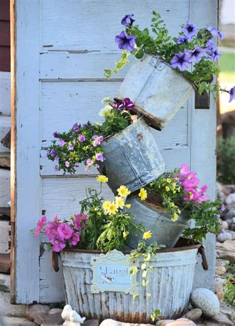 Decoracion de jardines rusticos con encanto natural.