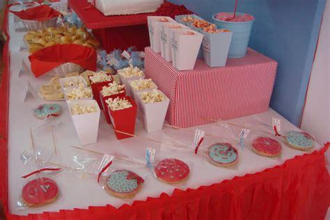 decoración de mesas para comunión | Fiesta y Pasteles