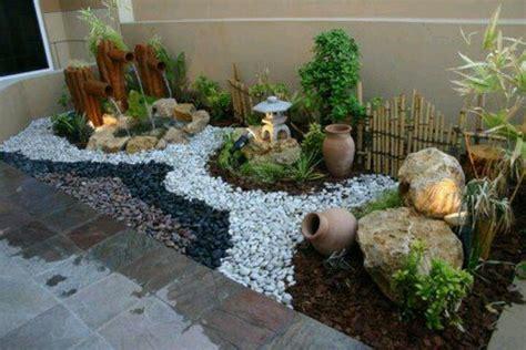 decoracion de patios y jardines con piedras   Buscar con ...