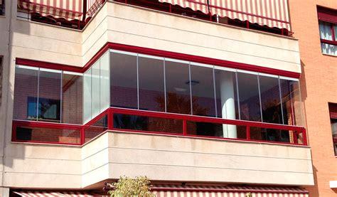 DINOXIA. Cerramientos de terrazas, Ventanas de PVC, Acero, etc