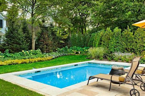 Diseño de jardines pequeños con piscina pequeña   Ideas y ...