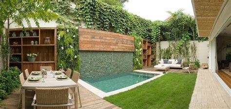 Diseño de patios pequeños con piscina | Quinchos y ...